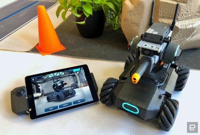 DJI 機甲大師 S1 是一款售價 3,499 人民幣的教育機器人