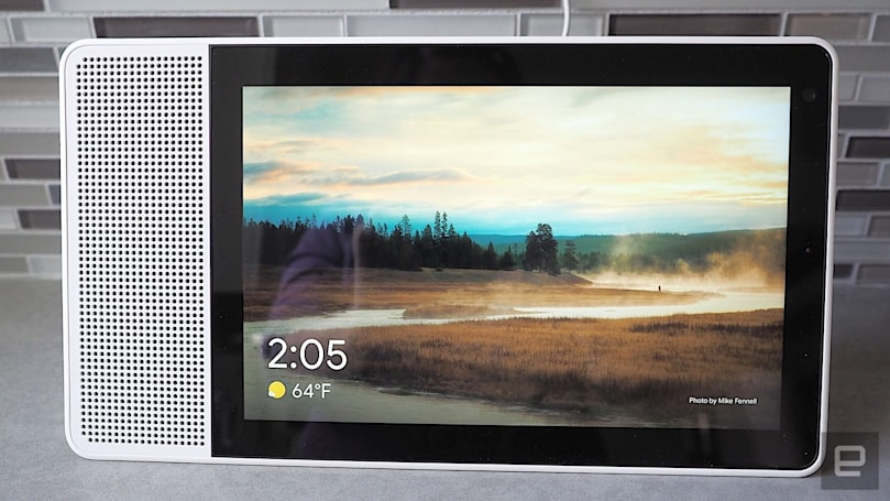 Google is fixing an 'update loop bug' on the Lenovo Smart Display (updated)