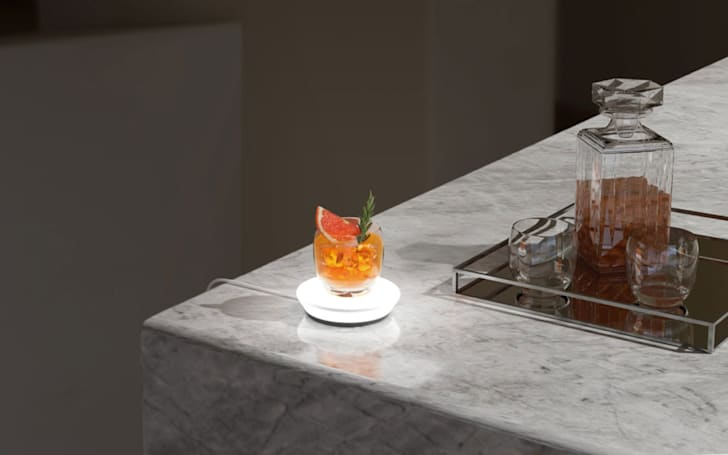 Barsys Smart Coaster tells you how to pour the perfect cocktail