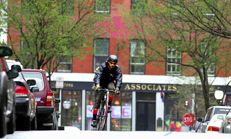 Amazon apparently testing bike couriers for some Manhattan deliveries
