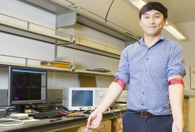 Bluetooth alternative sends signals through the human body