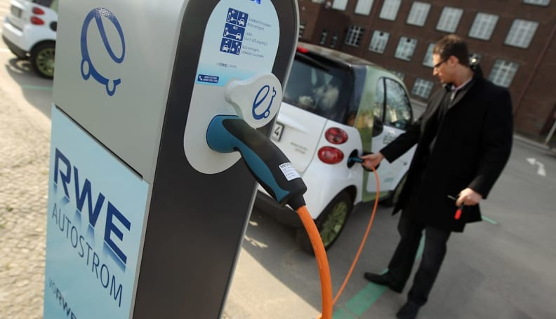 EV chargers that can talk to the grid being tested in California