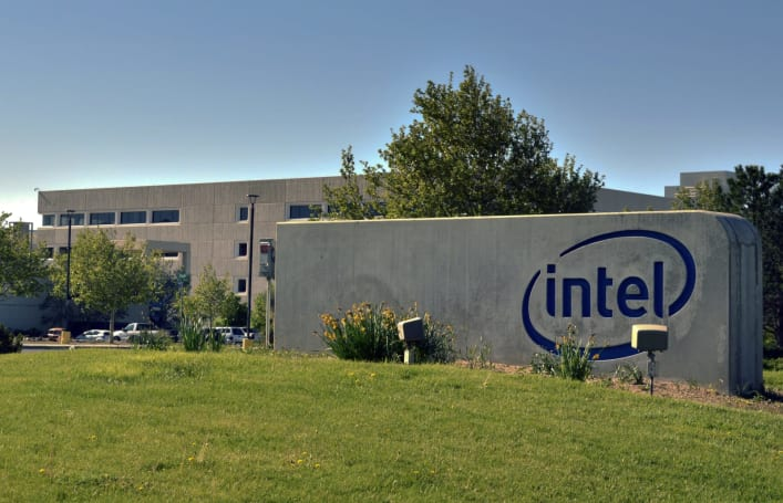 Intel is reportedly backing away from wearables (update: it says no)