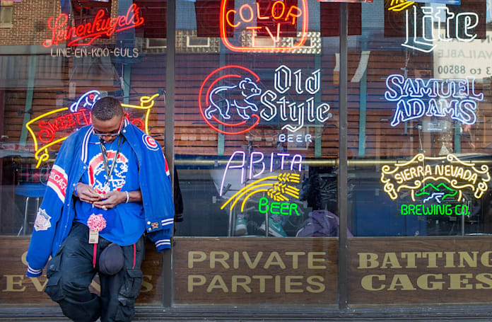Cubs fan uses jukebox app to troll St Louis fans