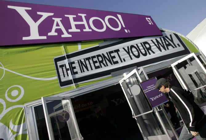 Yahoo Mail helps you track packages and remember events