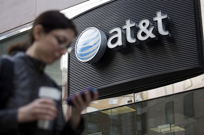 AT&T throttles unlimited data plans at 5GB, no congestion required