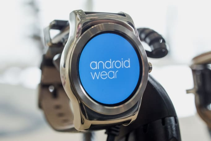 Android Wear update makes watch faces come to life