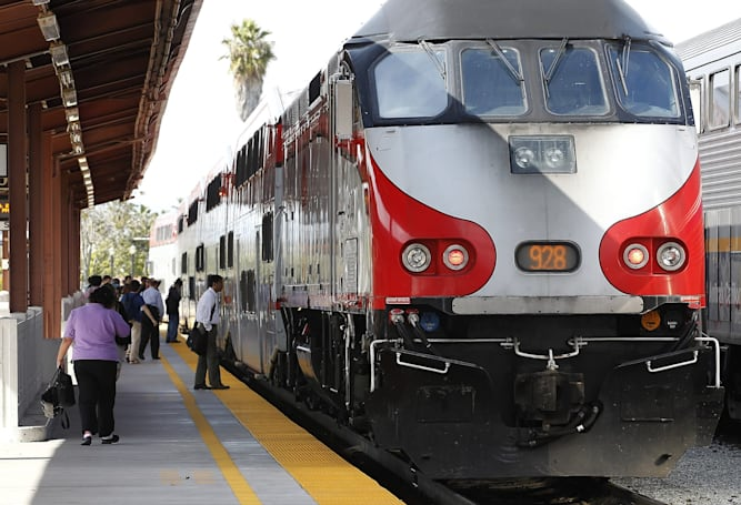 Caltrain will finally go electric thanks to FTA funding