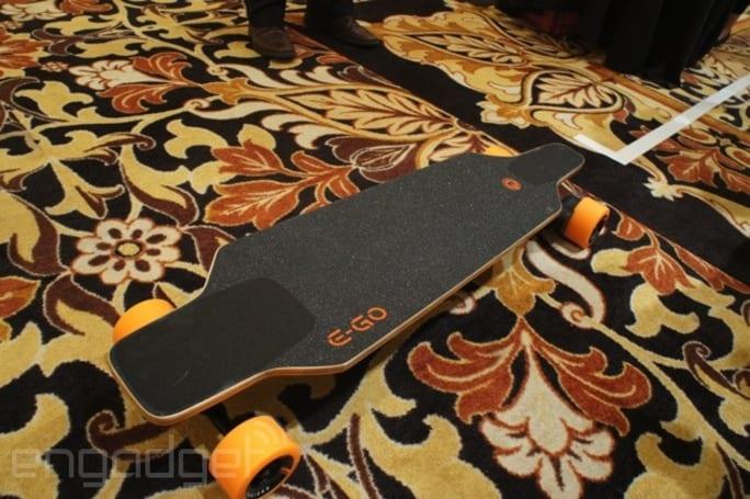 Yuneec's E-Go Cruiser electric skateboard is a 'light' 13.9-pounds