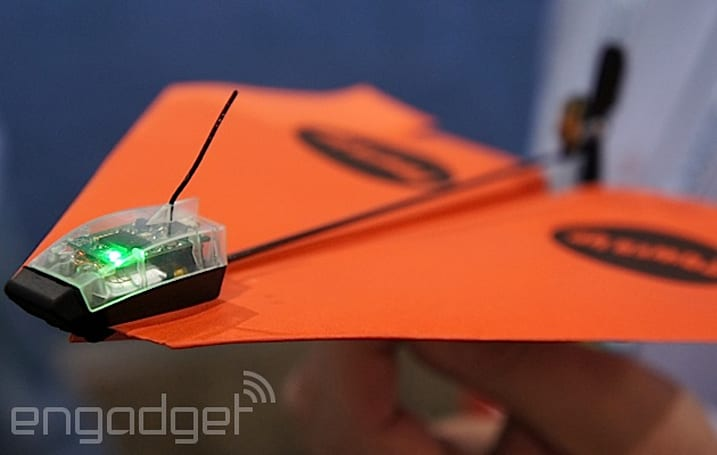 PowerUp's smartphone-controlled paper plane makes us jealous of modern kids