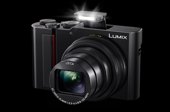 Panasonic's ZS200 compact camera doubles down on zoom