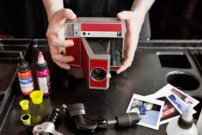 Lomography's all-analog square camera uses familiar film