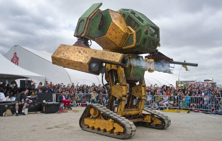 America's giant robot needs funding to fight Japanese rival