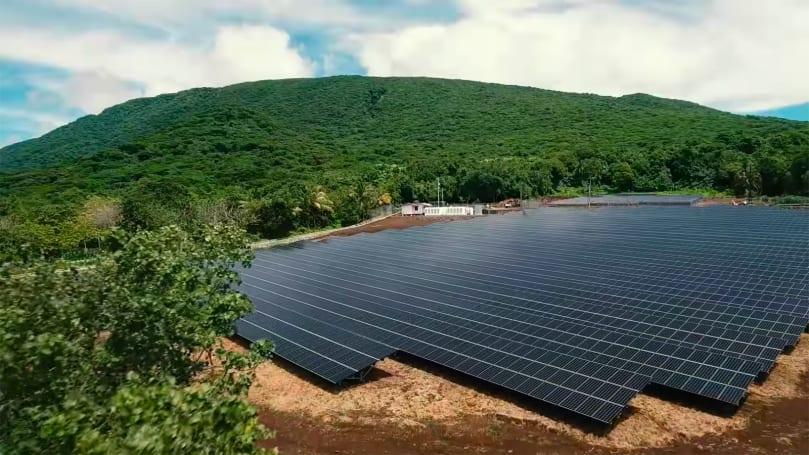 Tesla runs an entire island on solar power
