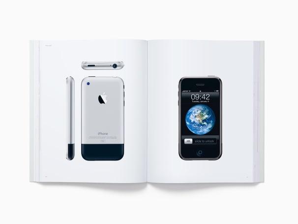 這本寫真集合了 Apple 20 年來的各種產品