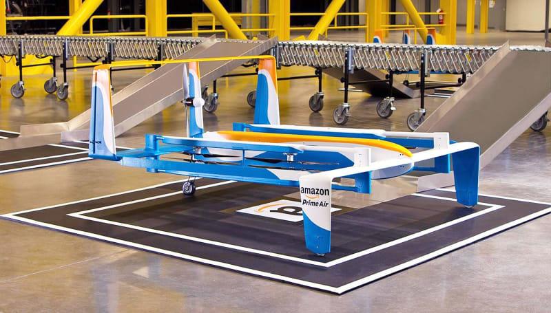 Amazon 取得讓無人機在路燈上充電的專利