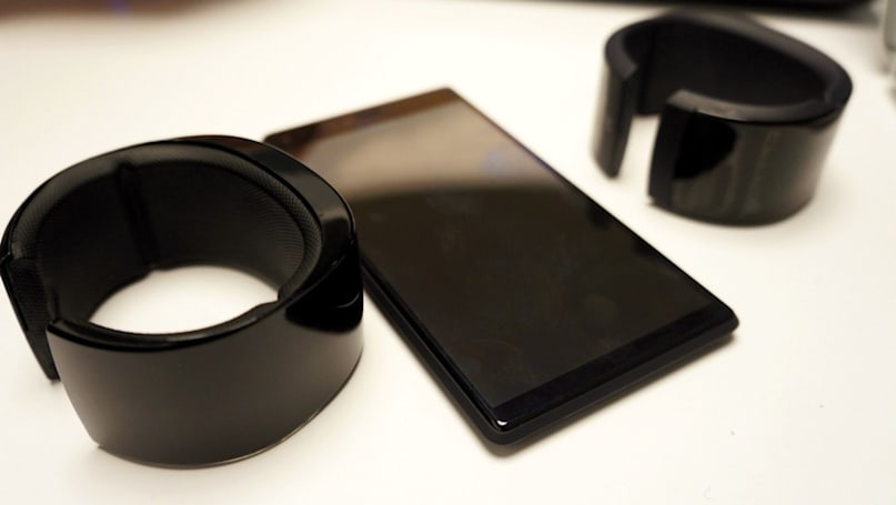 Behold: a wristband that replaces your phone with a dumber phone