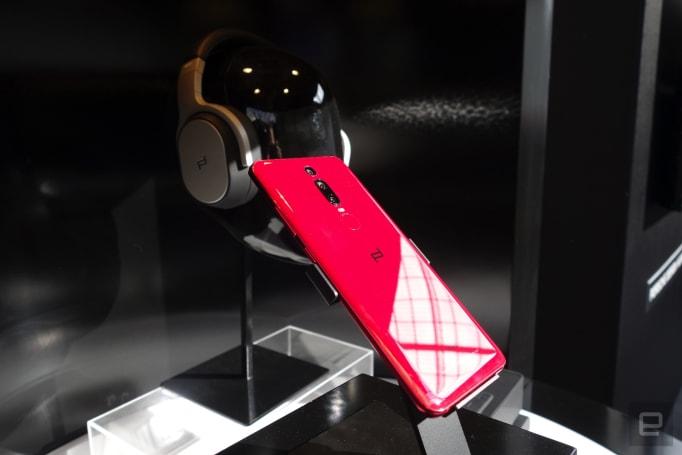 Huawei's latest Porsche phone has an in-screen fingerprint reader