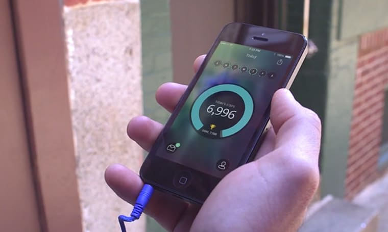 RunKeeper gets into the step-tracking game with Breeze