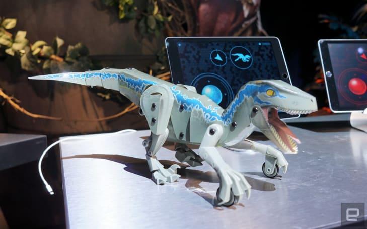 Mattel 的《侏羅紀世界》機器恐龍還真挺活靈活現的!