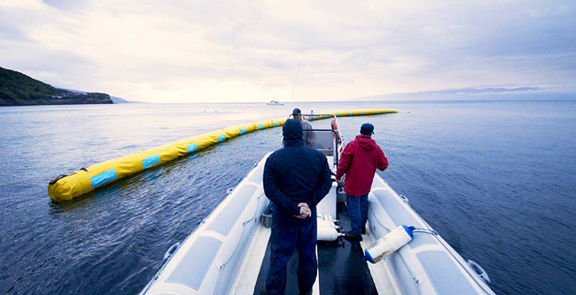 Inhabitat's Week in Green: Ocean Cleanup Array, ForceShoes and a warp-capable spacecraft