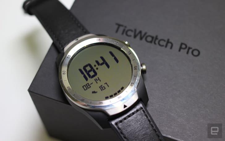 TicWatch Pro 動手玩:30 天續航力的 Wear OS 長氣王
