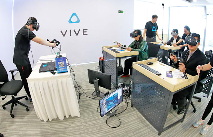 HTC targets the classroom with 10-headset Vive bundle