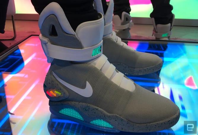 穿上 Nike Mag 的那一刻,我成了 Marty McFly!