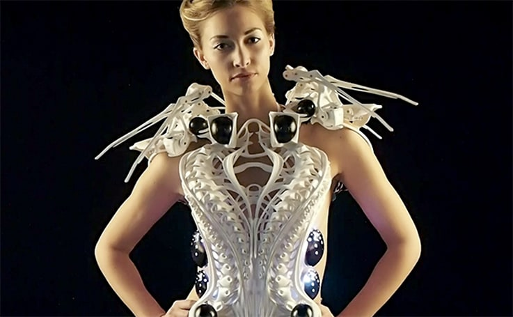3D-printed robotic spider dress keeps creeps at bay