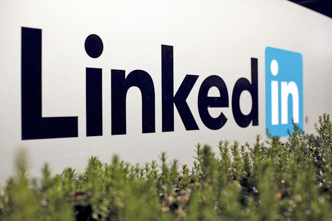 LinkedIn adds the voice messaging feature you weren't missing