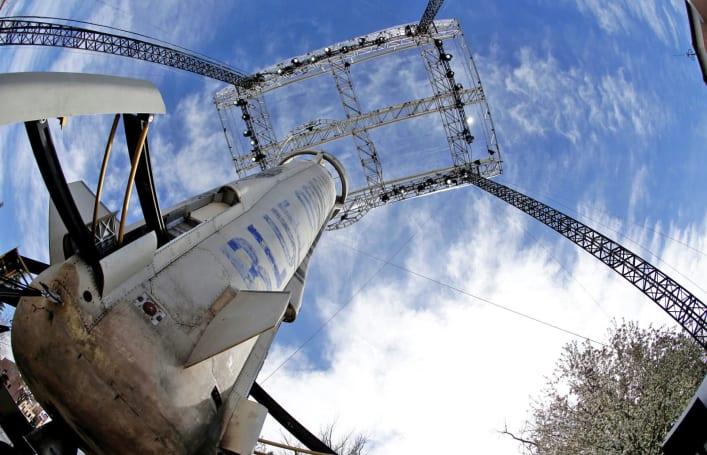 Jeff Bezos' Blue Origin beats key rival to rocket engine deal