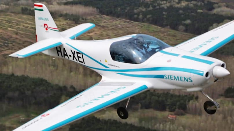 Prototype electric plane crash kills two pilots