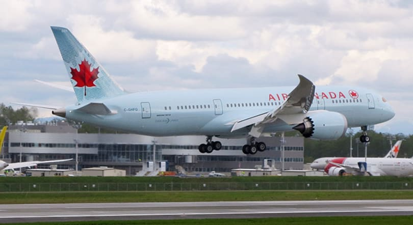 Canadian airlines will let you use devices during takeoff and landing