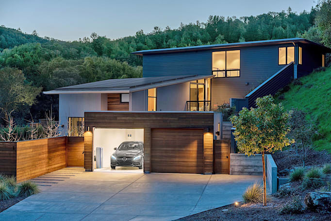 Mercedes-Benz and Vivint want to power your solar home