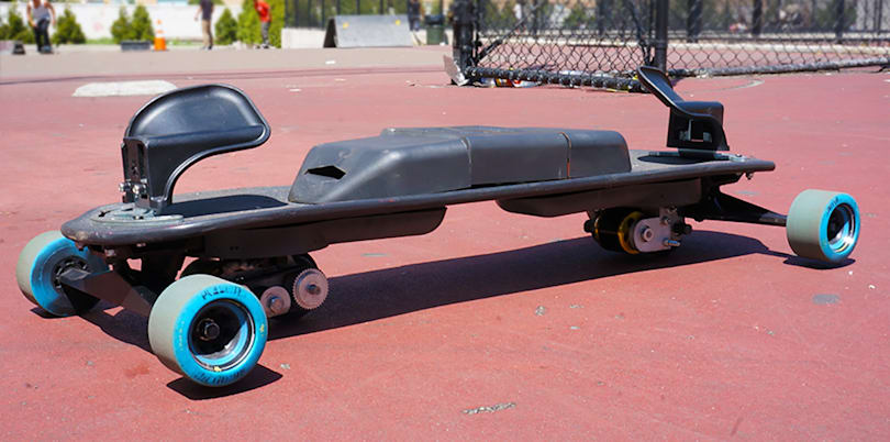 'Snowboard' through the city streets with LEIF's electric freeboard