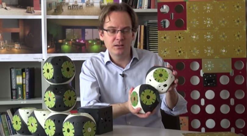 Roombots: Lego-like robotic blocks that transform into furniture (video)