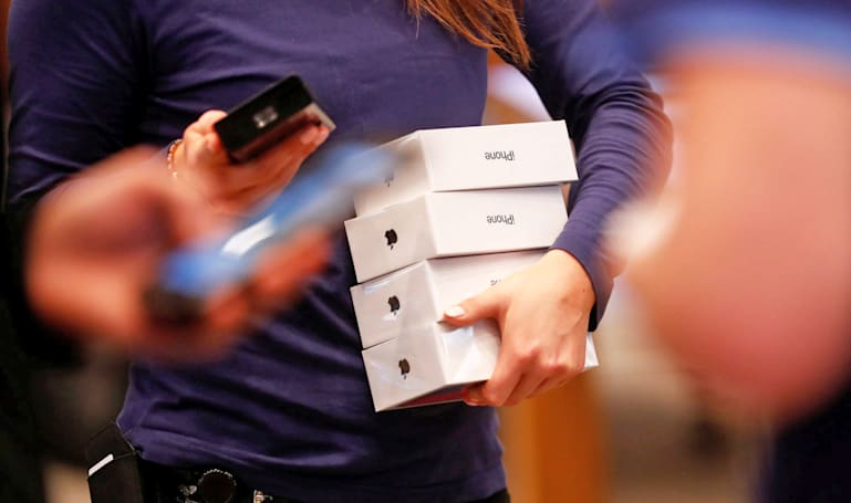 Thieves pilfer $370,000 worth of iPhone Xs in San Francisco