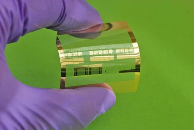 Scientists design fast, flexible transistor for wearables