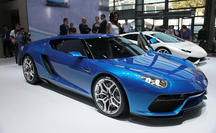 Lamborghini's 910HP plug-in hybrid goes 30 miles on a charge (hands-on)