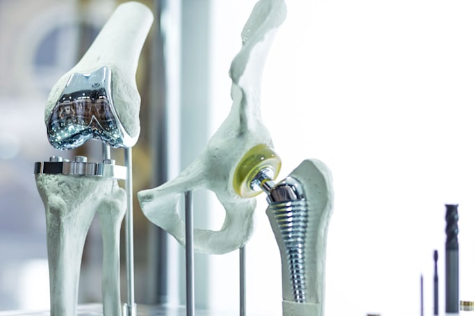 Titanium-gold alloy could lead to super-strong implants