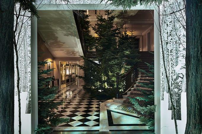 Apple's Jony Ive helped design a Christmas tree with no lights