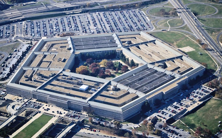 Pentagon officials can view classified material on special tablets