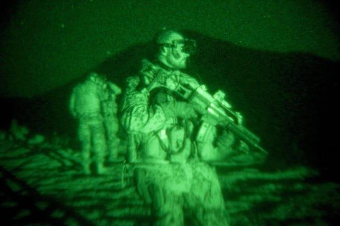 透過納米技術就可以做到低功耗的夜視鏡功能