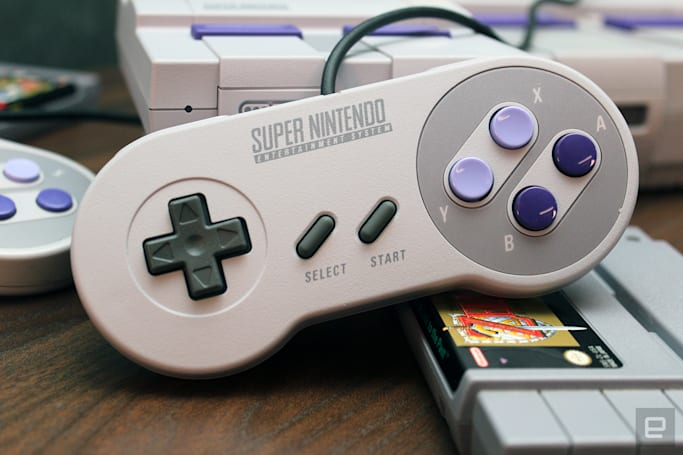 Nintendo's mini SNES quickly cracked to run more games