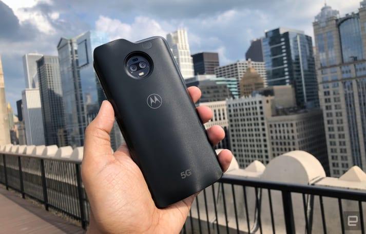 Moto Z3 和 5G 模組背蓋顯露出該公司模組化的野心尚未走到盡頭