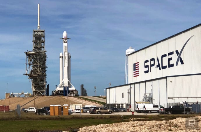 SpaceX successfully launches its Falcon Heavy rocket