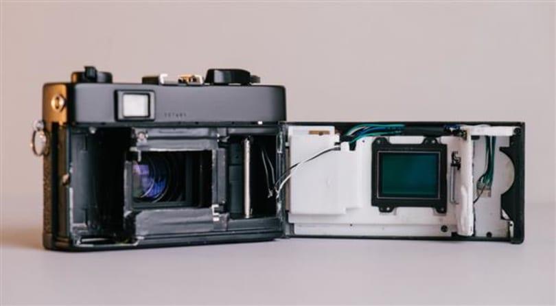 老底片機利用 3D 列印重生為數位相機!