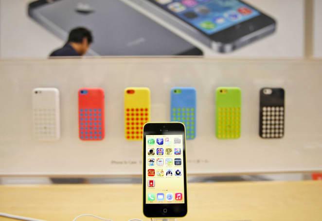 Senator confirms FBI paid $900,000 to unlock San Bernardino iPhone