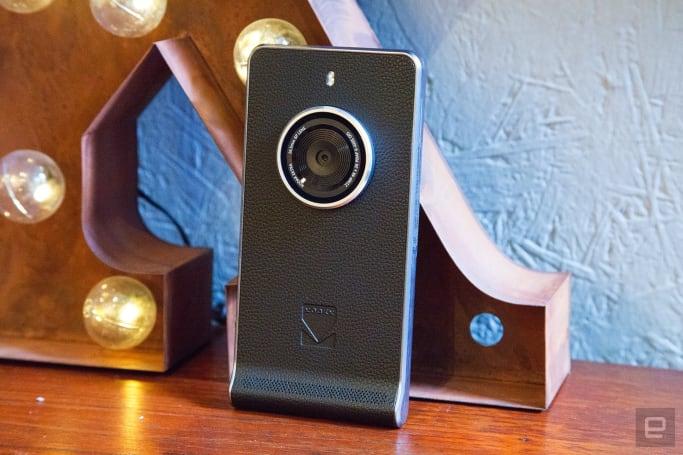 Kodak's chunky, retro cameraphone is coming to the US