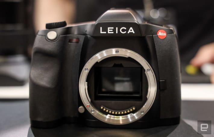 Leica's S3 is a slick, 64-megapixel medium format DSLR